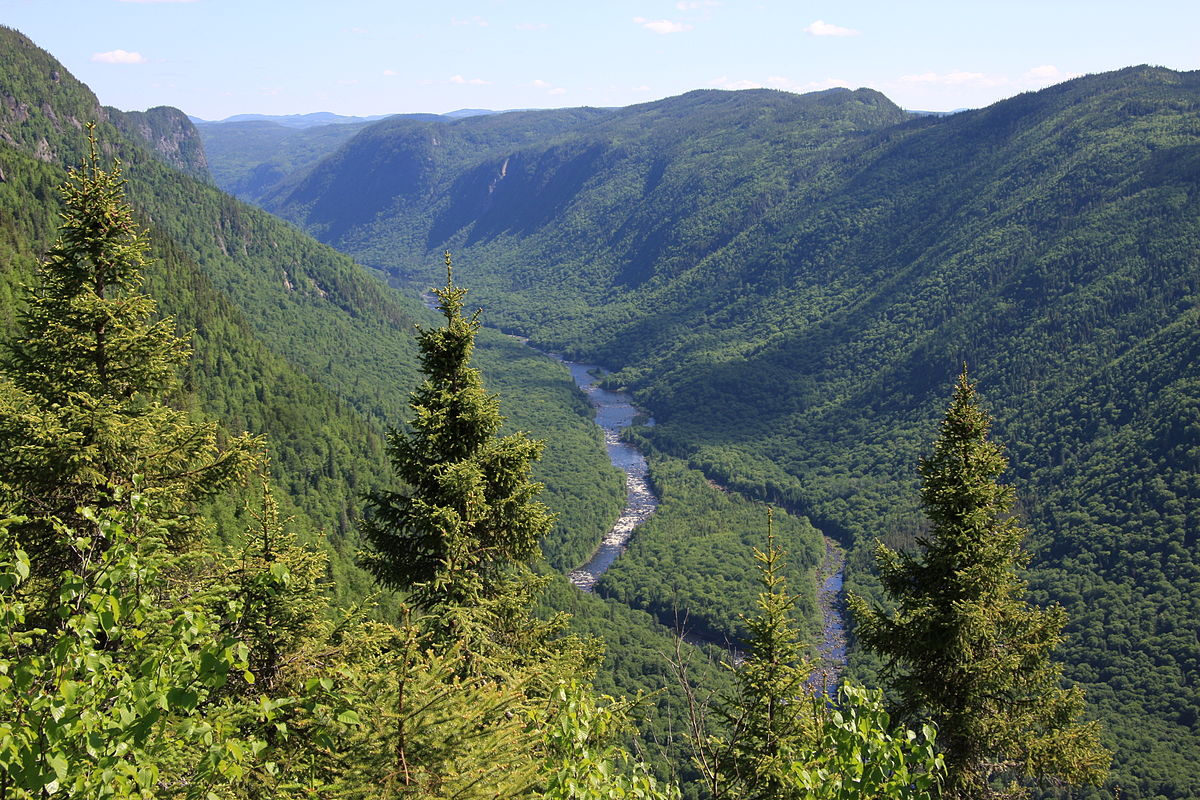 Scenic view of Jacques-Cartier River valley from Andante montain, Jacques-Cartier National Park, Quebec, Canada